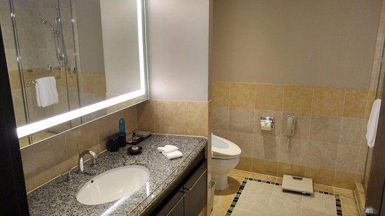 오크우드 프리미어 코엑스 센터: 화장실