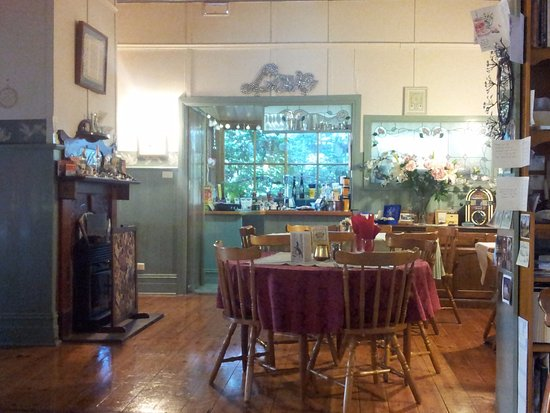 Corryong, Australia: Inside the restaurant/cafe