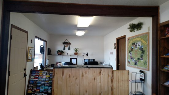 South Fork, CO: Reception area