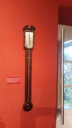 Acassuso, Argentina: Barómetro de pared