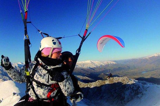Coronet Peak Tandem Paragliding om...