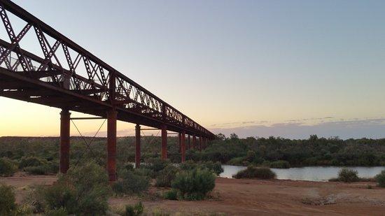 Oodnadatta, Australie : The bridge at Algebuckina