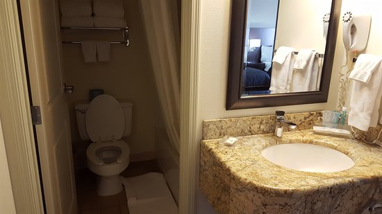 Fargo Inn & Suites : 20170311_150555_large.jpg