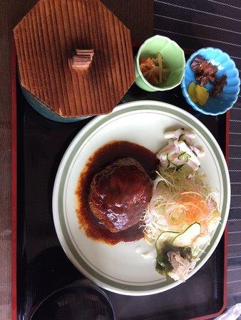 Kami-cho, Япония: 但馬牛ハンバーグ