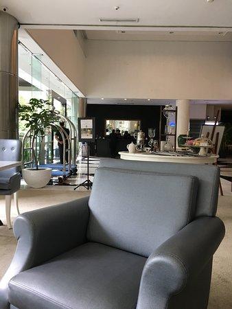 Aston at Kuningan Suites Resmi