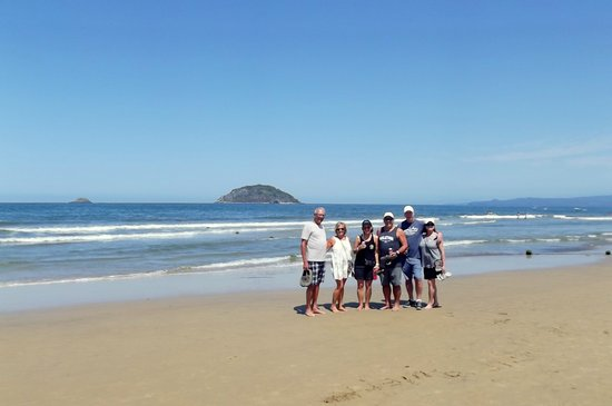 Tours du Jour Mexico: An empty beach with Turtle Island behind us.