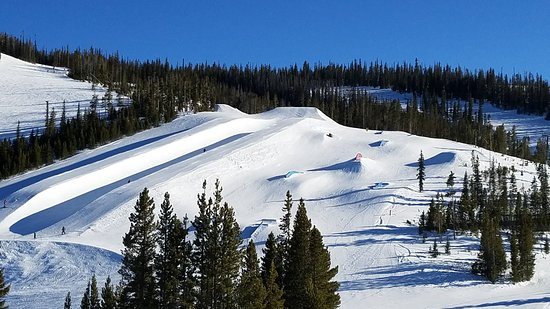 Winter Park Resort: half pipe and challenges