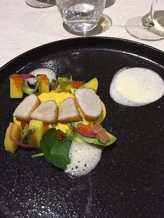 Entrée De St Jacques Bar De Ligne Sauce Langoustine Lapin Et Enoki - Une cuisine en ville bordeaux