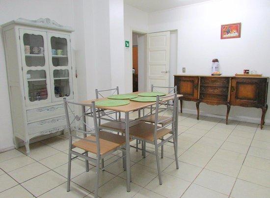 Casa provence desde santiago chile opiniones for Comedor 12 personas chile