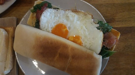 Sister Srey Cafe: Green eggs and ham! YUM