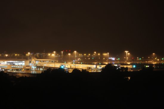 Wolli Creek, Αυστραλία: From room facing airport