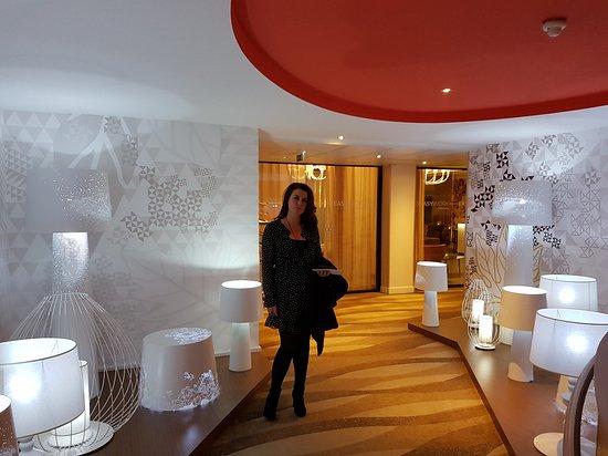Mercure Paris Montmartre Sacre Coeur: At the hotel lounge
