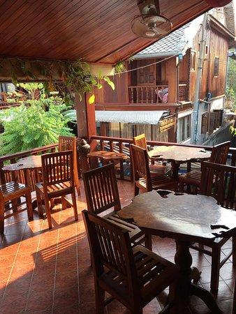 Apple Guesthouse: Balcony