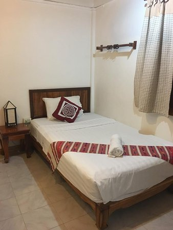 Apple Guesthouse: Single room
