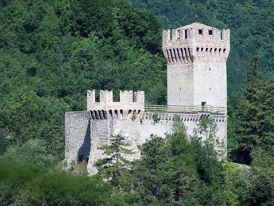 Arquata del Tronto, Italie : Fiera e possente