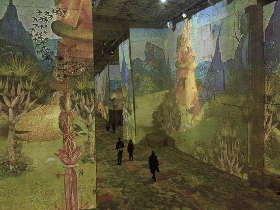 """Carrières de Lumières : """"Bosch, Brueghel, Arcimboldo - Fantastique et merveilleux"""" jusqu'au 7 janvier 2018"""