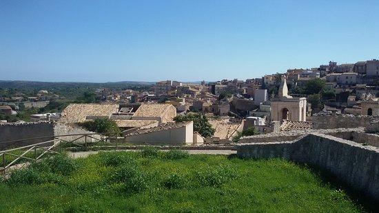 Castello di Palazzolo Acreide o Rocca di Castelmezzano