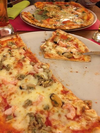 Orbe, Switzerland: Pizza muy buena