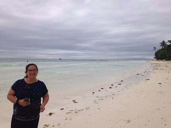 Dauis, Filipiny: A pose for posterity at Panglao Beach...