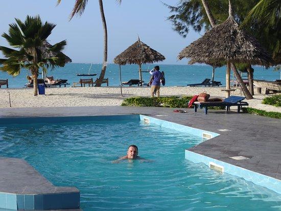 Smiles Beach Hotel Nungwi