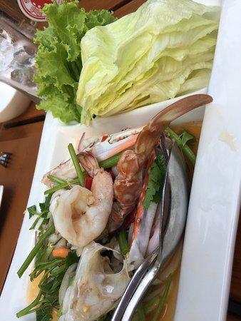Raya Restaurant and Wine Bistro: photo2.jpg