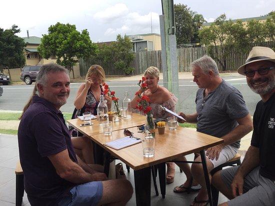 Gordon, Avustralya: Two Streets Over