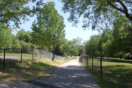 Maryville, TN : New dog park on the Greenbelt.