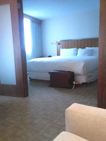 International Hotel and Spa Calgary: My bedroom in Room 709 (Suite)