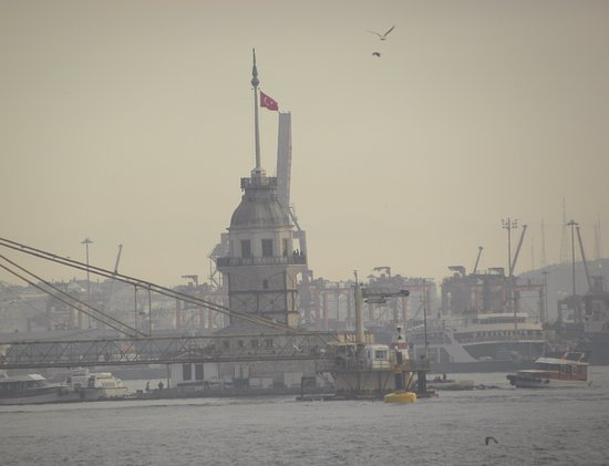 Maiden's Tower: View of Maiden Tower
