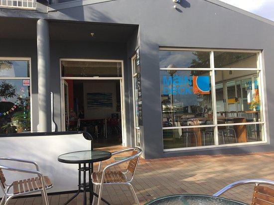 MainDeck Cafe: photo1.jpg