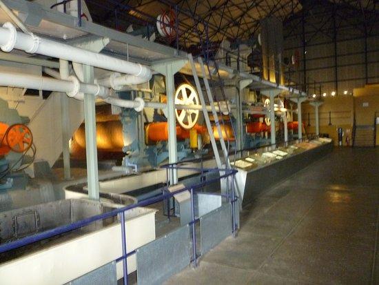 chaine de fabrication - Picture of L Aventure du Sucre ... fdbe08a86cd