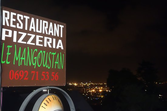 La Possession, Isola della Reunion: Le Restaurant Le Mangoustan by night