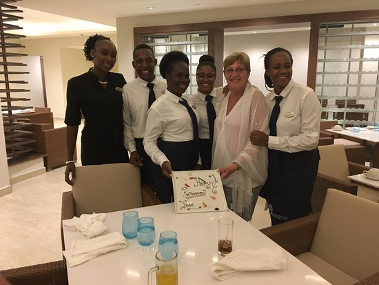 Cap Estate, Saint Lucia: Great crew at Dorado..went above and beyond for friend retirement