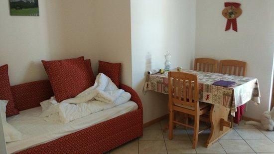 divano letto-soggiorno - Picture of Tana della volpe, Lavarone ...
