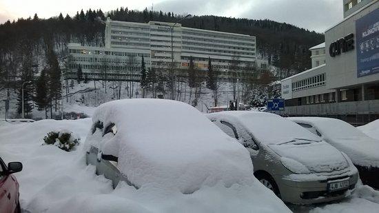 Jachymov, Tjekkiet: Hotel ze strany od hlavní ulice
