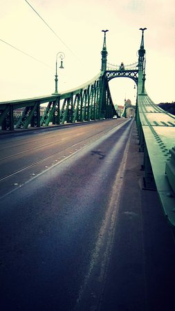 Ibis Styles Budapest City: Famous Chain Bridge