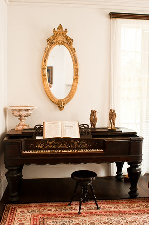 Washington, GA: 1850 Square Grand Piano