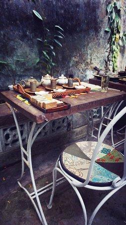 Reaching Out Tea House: Very calm..