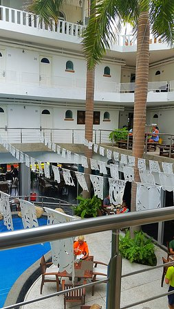 Hotel Rio Malecon Puerto Vallarta: Cute patio looking over the pool and dining