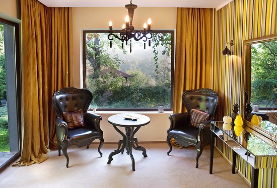 Chambers'n Charm Boutique Hotel: Gold suite