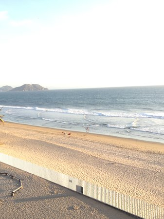 Costa Bonita Condominium & Beach Resort : View of the beach from 6th floor