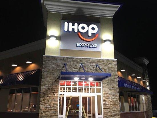 Skippers, VA: IHOP