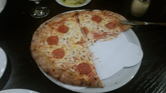 Londonderry, NH: Pizza with stingy Pepperoni