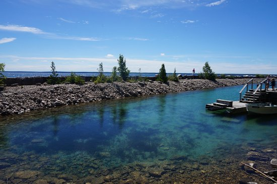 Tobermory Village Campground: island tour