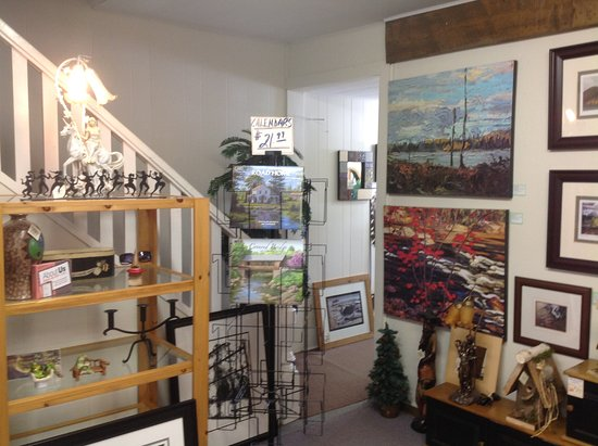Madawaska Art Shop: Interior