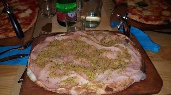 Mascalucia, Itália: Pizza