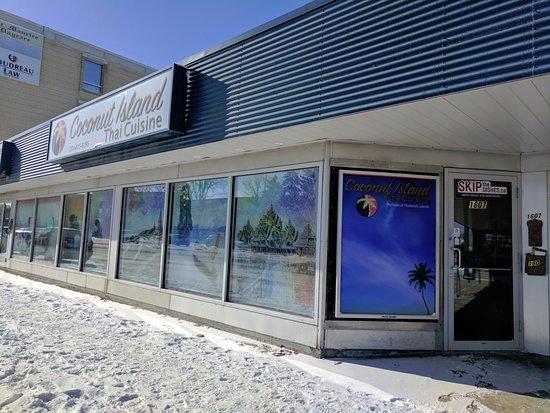 Coconut Island Thai Winnipeg Reviews