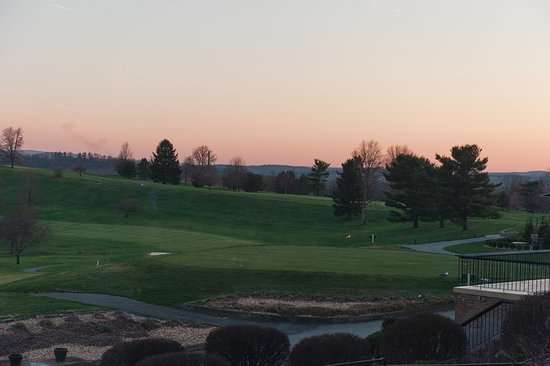 Blairsville, Pensilvania: View of Golf Courses at Sunset