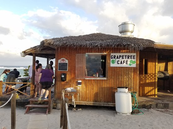 Bodden Town, Grand Cayman: Grapetree Cafe at diner