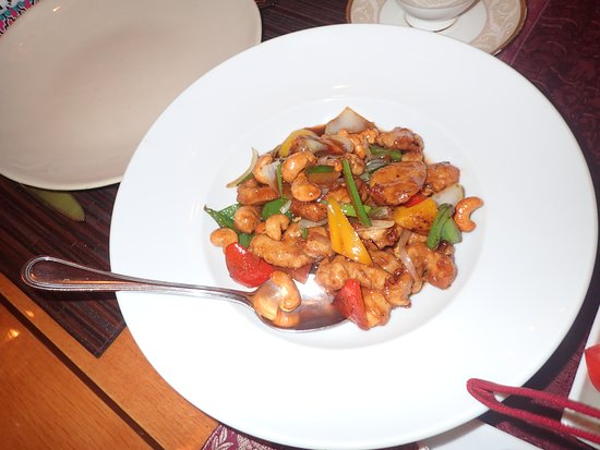 Lan Tania at Fairmont Towers: chicken with cashews